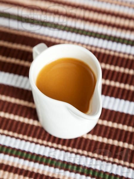 Горчичен сос за салати с уорчестър и оцет - снимка на рецептата